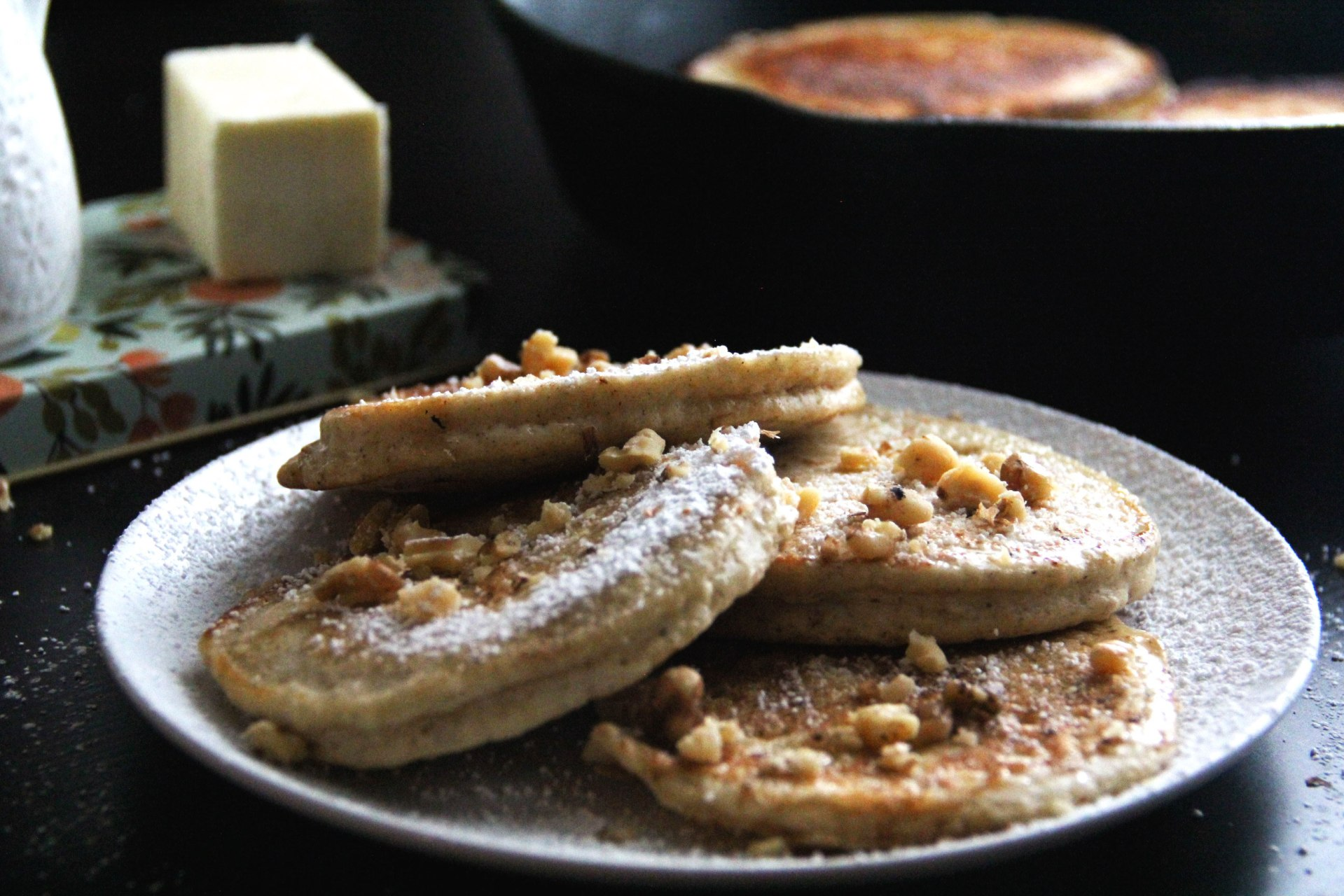 The-Daily-Doss---Banana-Pancakes