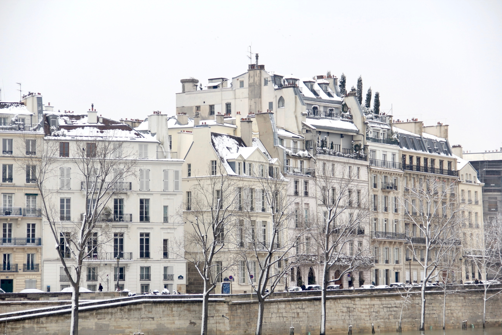 Snowy Paris - 32