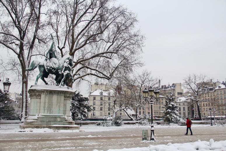 Snowy Paris - 38