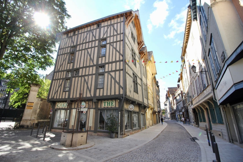 Troyes - 23