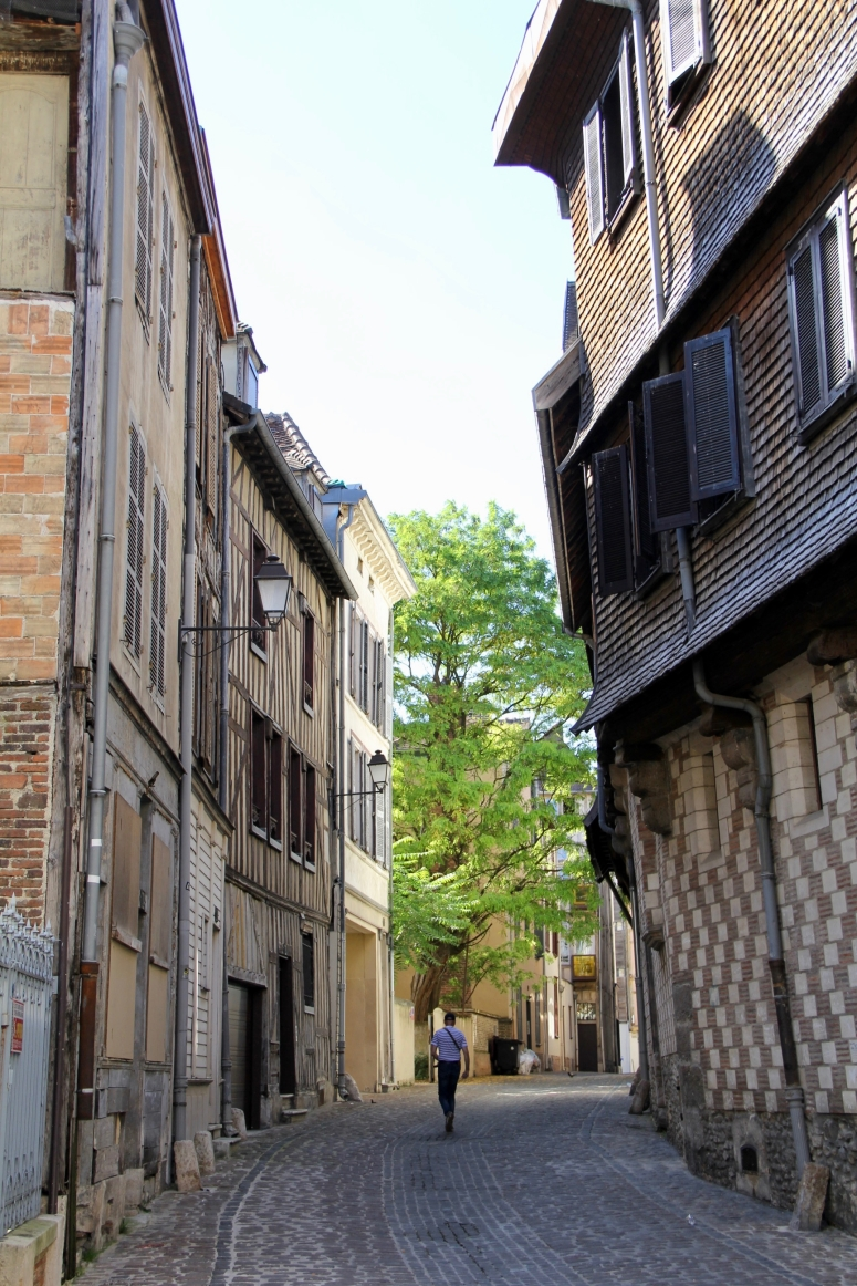 Troyes - 25